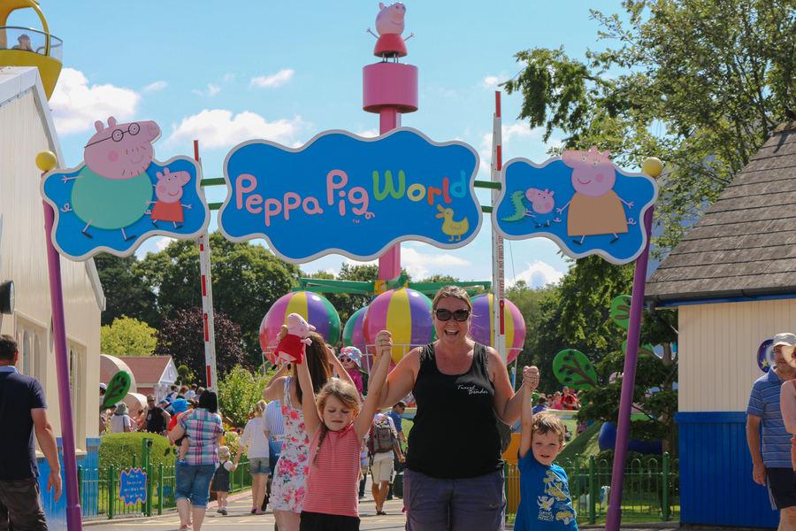 Paultons Park Peppa Pig World The Most Sacred Place For Any Toddler