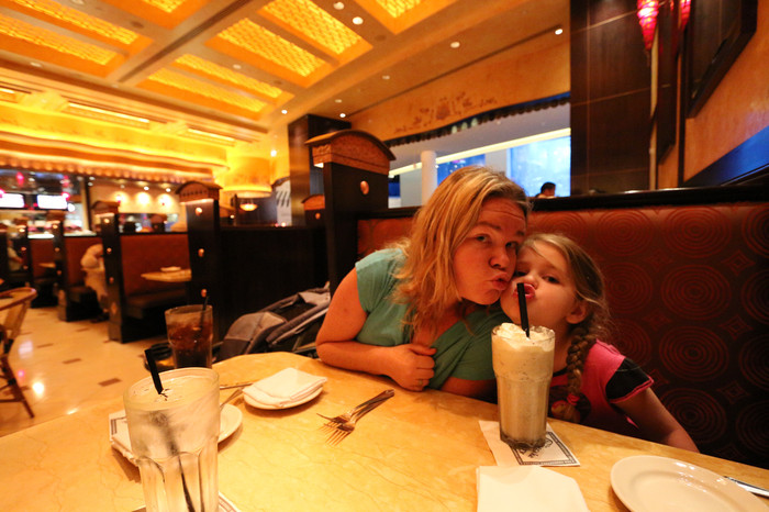 dubai_mall_cheesecake_factory_IMG_1439.JPG