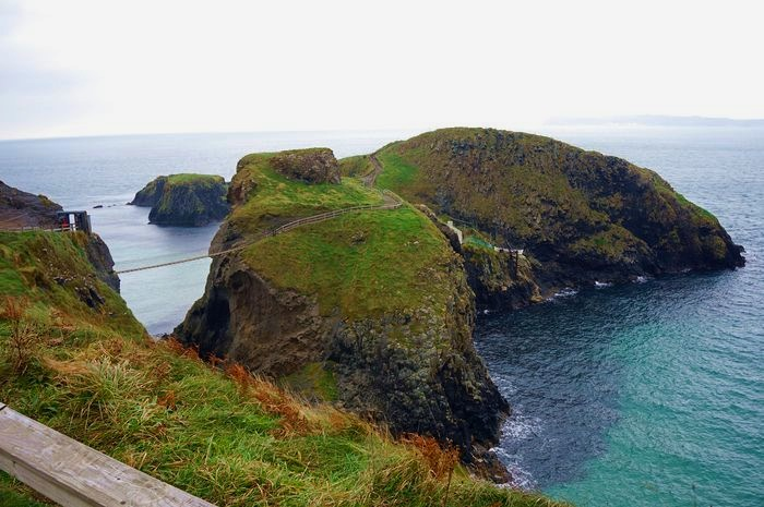 carrick-a-rede_rope_bridge_DSC04074.JPG