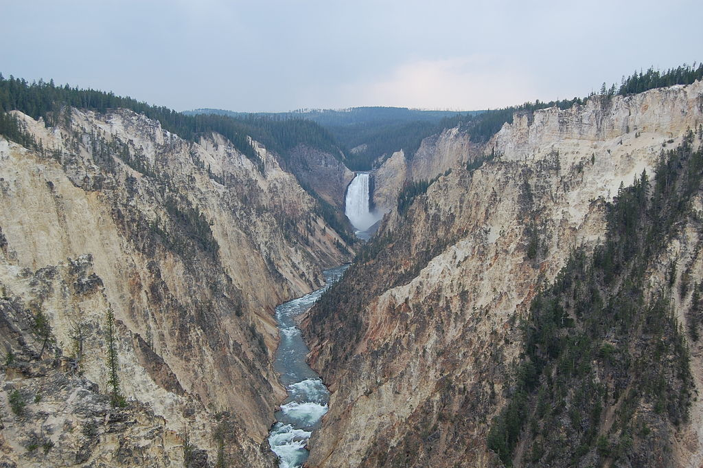 1024px-Grand_Canyon_of_the_Yellowstone_from_Artist_Point.JPG