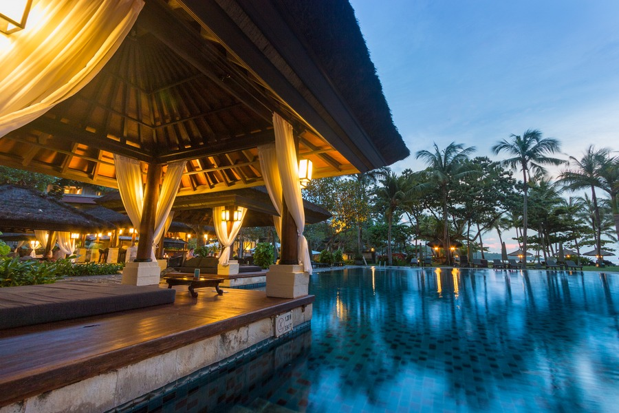 Intercontinental bali swimming pools pasta plus hammock for Where to stay in bali indonesia