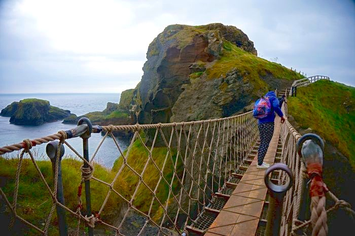 carrick-a-rede_rope_bridge_DSC04082.JPG