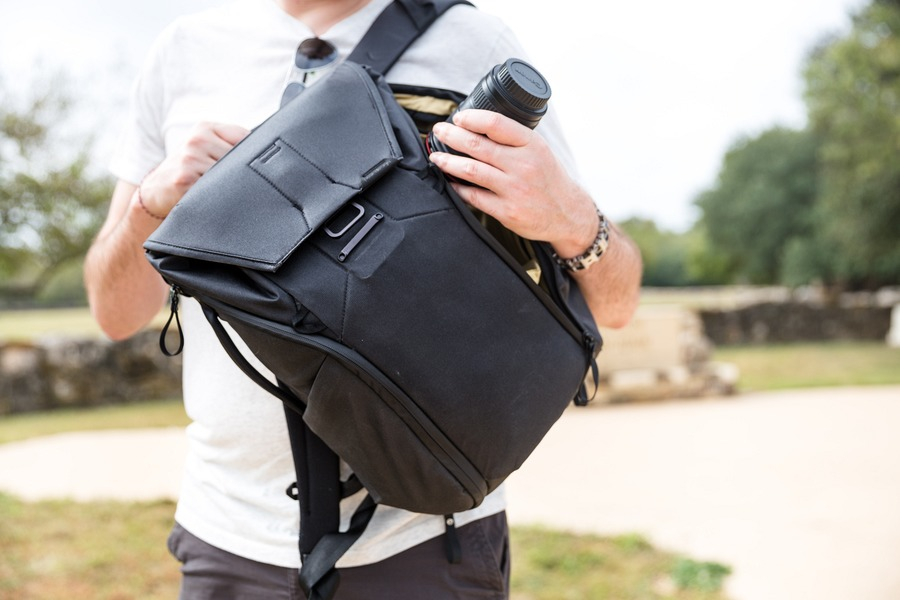 Peak Design Everyday Backpack Review  One Bag For Photography ... 0344163bc2c9c
