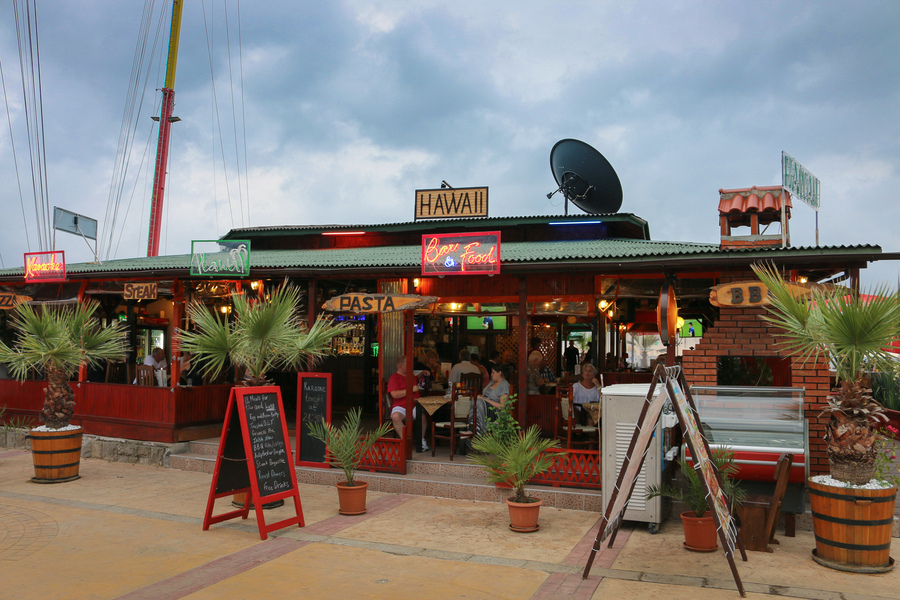 sunny_beach_restaurants_hawaii_IMG_0092-2.jpg