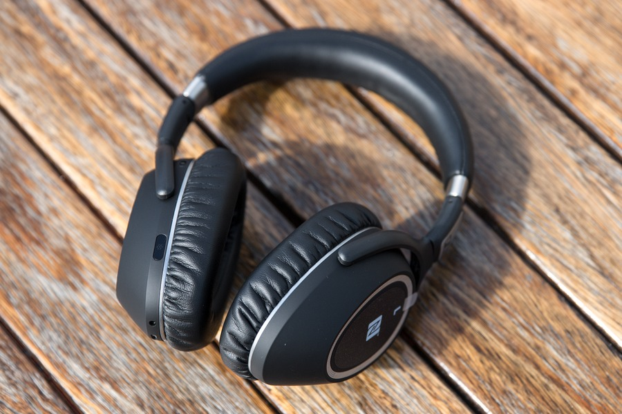 4b9e4169464 Sennheiser PXC 550 Review: The Best Wireless Noise Cancelling ...