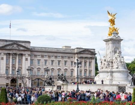 6 Best Walking Tours in London