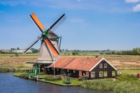 Zaanse Schans: The Best Place To See Windmills In Holland